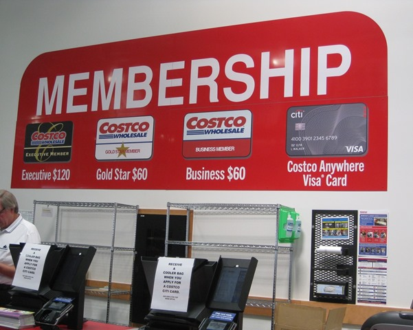 Costco 超市柜台办理会员卡