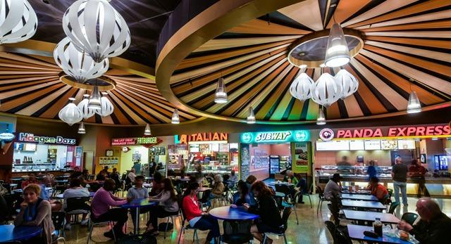 棕榈泉奥特莱斯附近餐饮 Morongo 赌场 Food Court 餐区